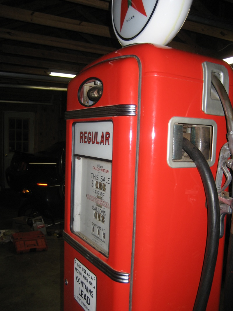 gilbarco gas pump. here is a shot of the other side. gilbarco gas pump